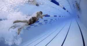 Comment maigrir grâce à la natation